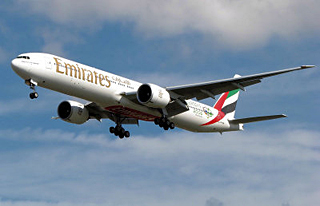 Emirates-airlineb
