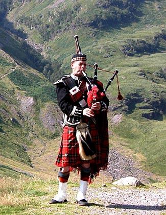 Highlandpiperb